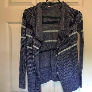Ivivva sz 10 sweater 💙$9.99 shipping 💙
